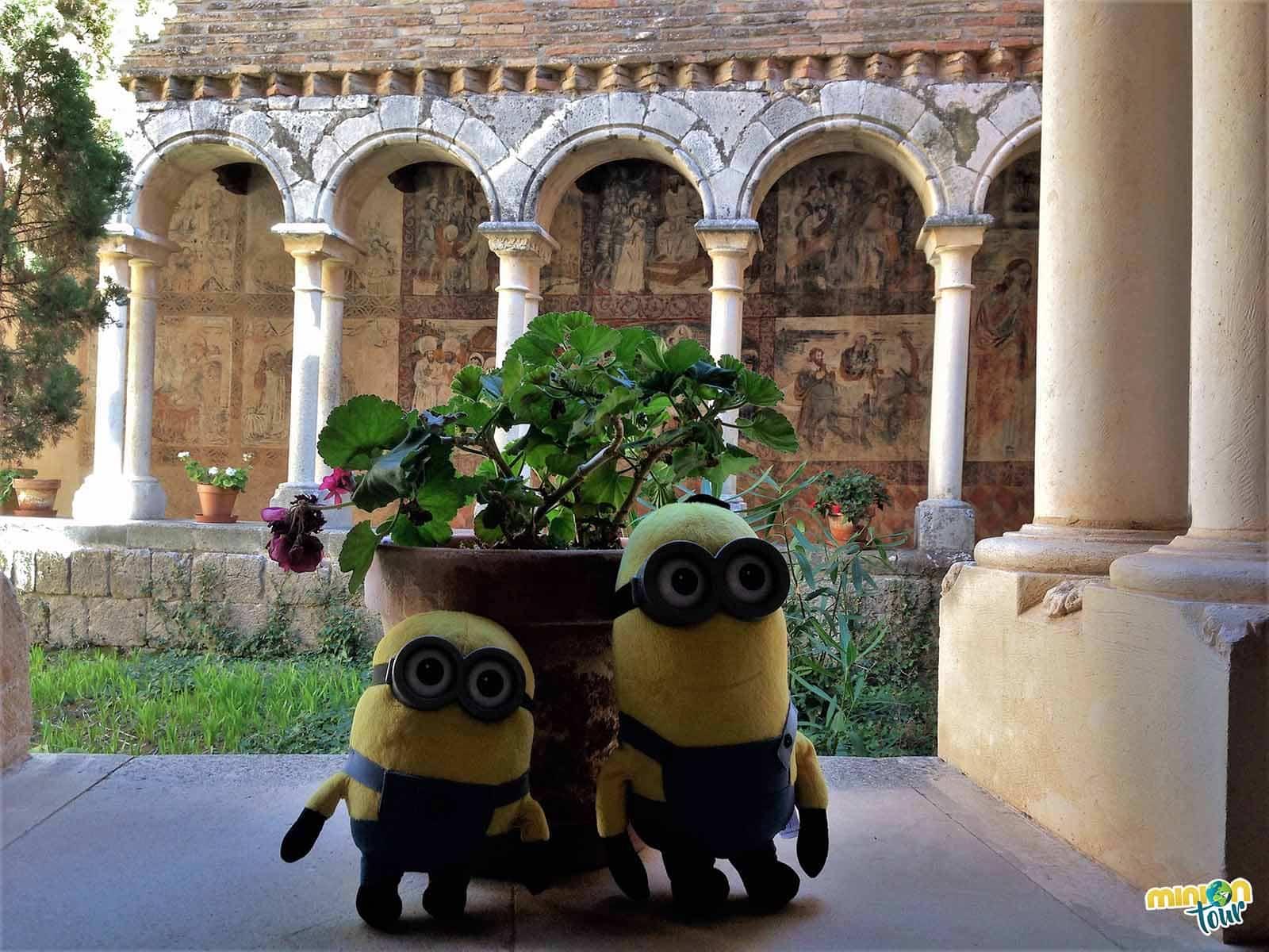 El claustro de la Colegiata de Santa María la Mayor en Alquézar