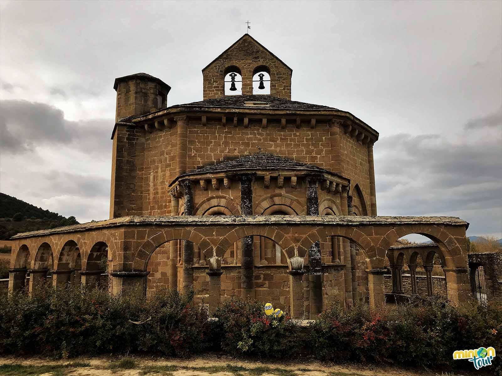 La ermita de Santa María de Eunate es una pasada