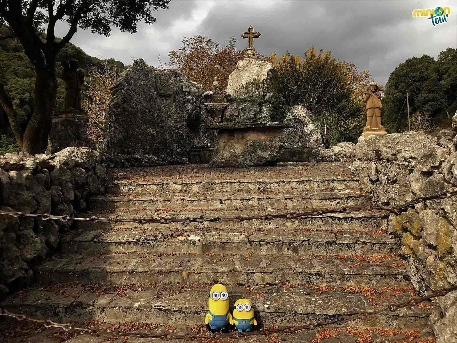 Monumento a la Virgen del Puy