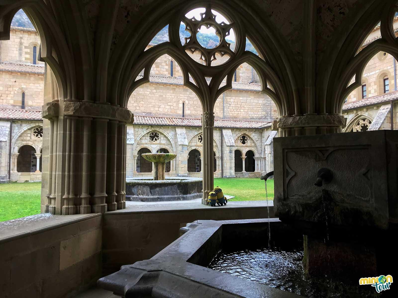 Fuente del claustro del Monasterio de Santa María de Iranzu