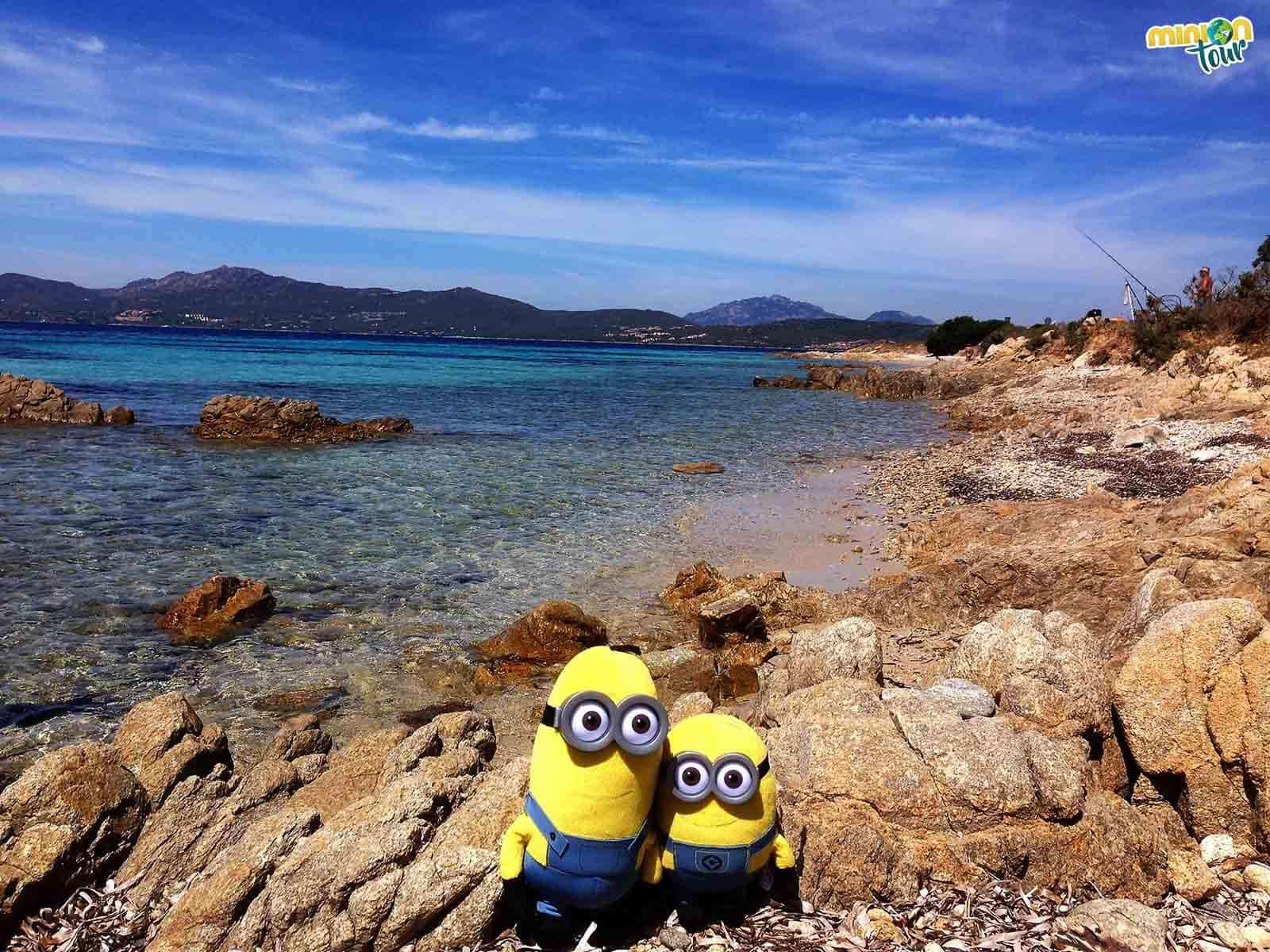 2 Minions en el golfo de Aranci
