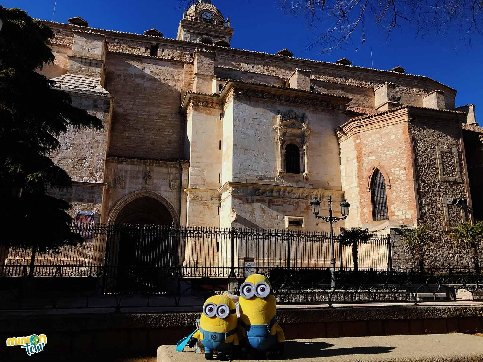 2 Minions en la Catedral de Ciudad Real