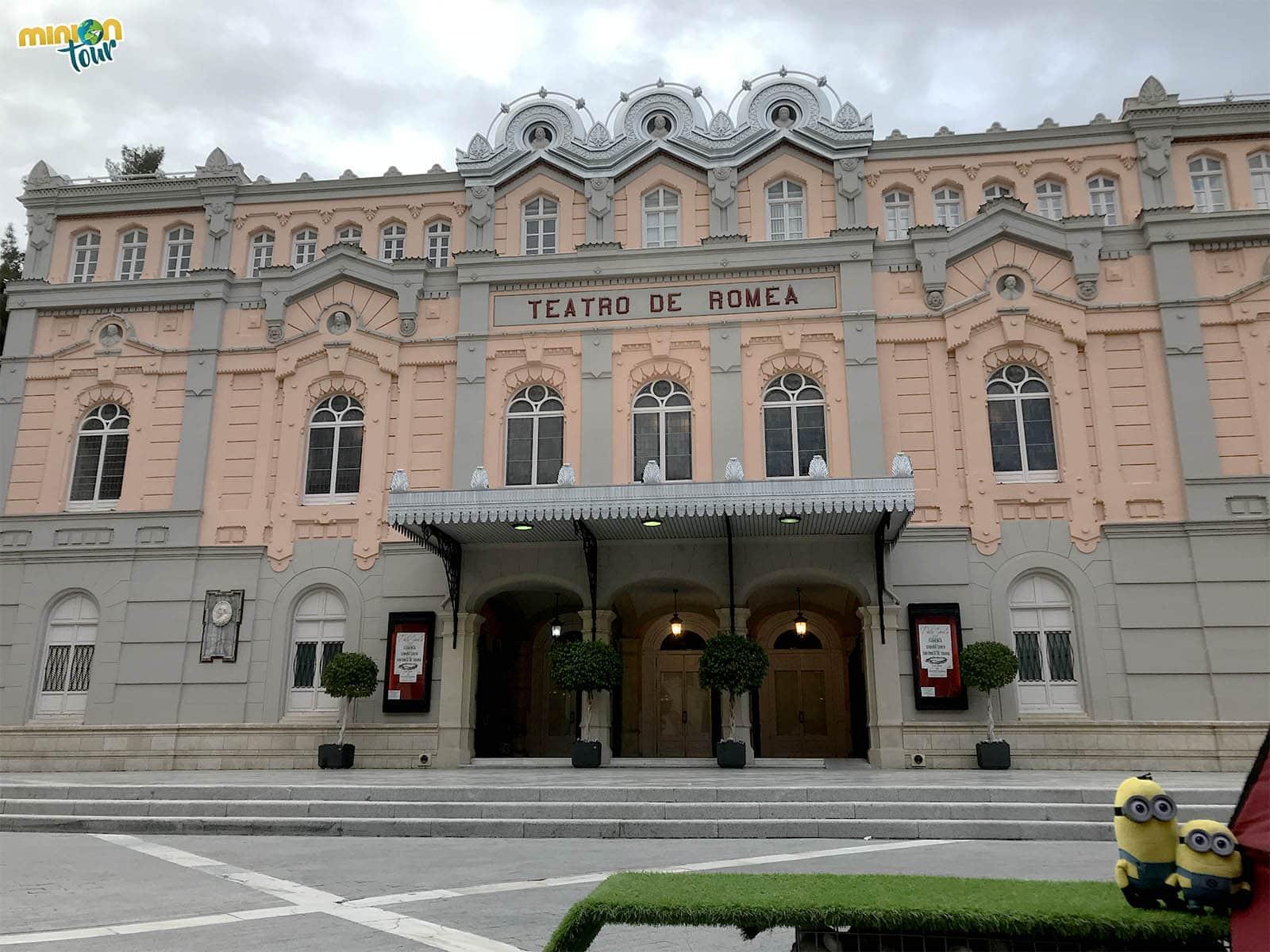 Mirando el Teatro de Romea