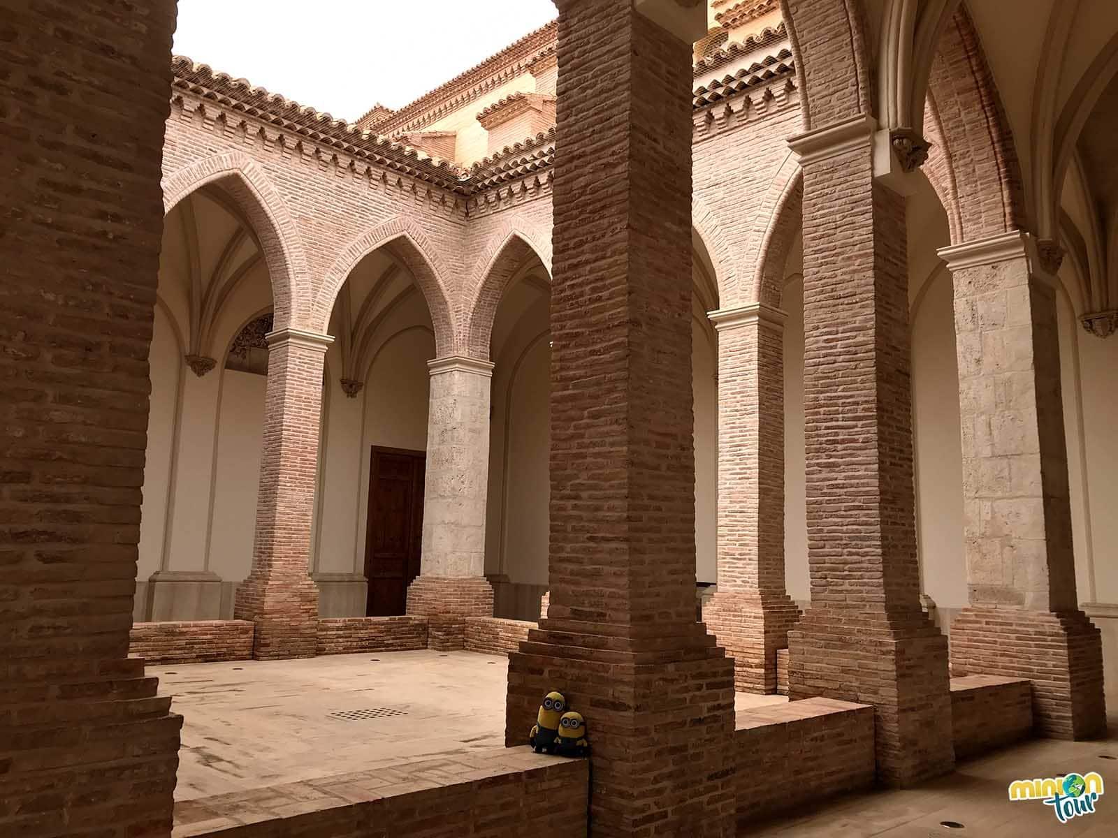 El claustro de la Iglesia de San Pedro