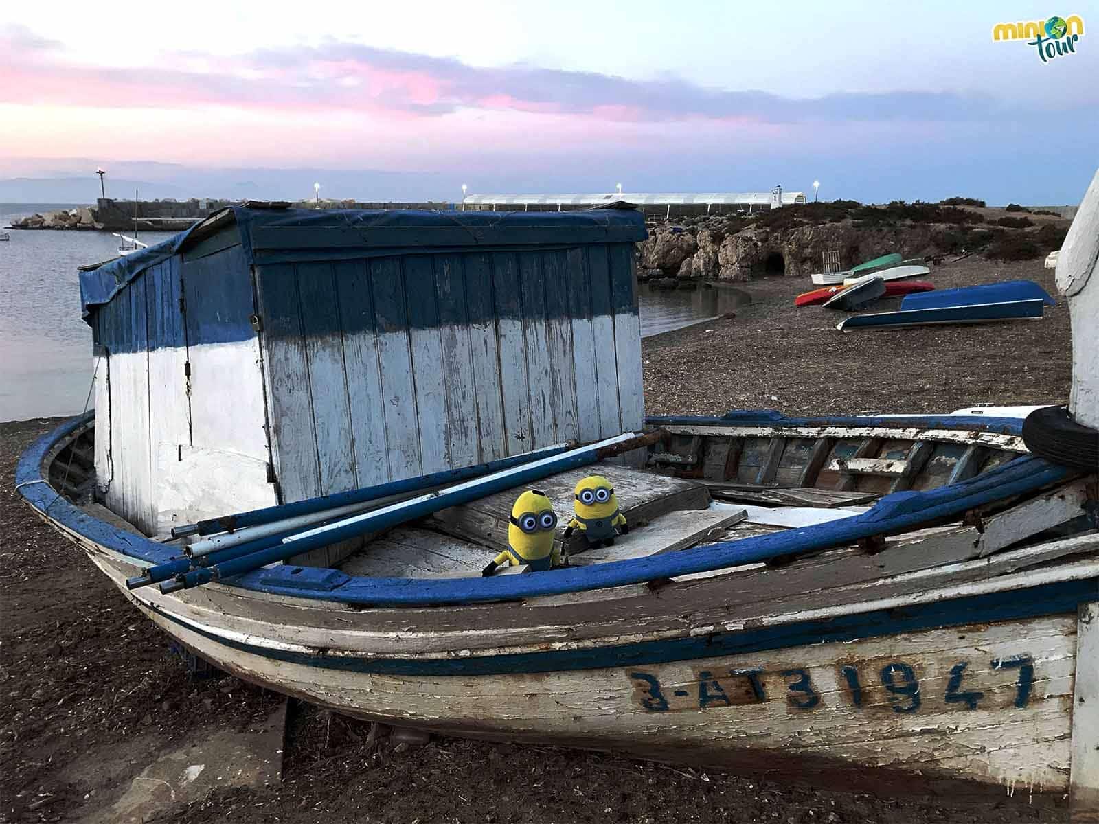 2 Minions en un barco de pescadores