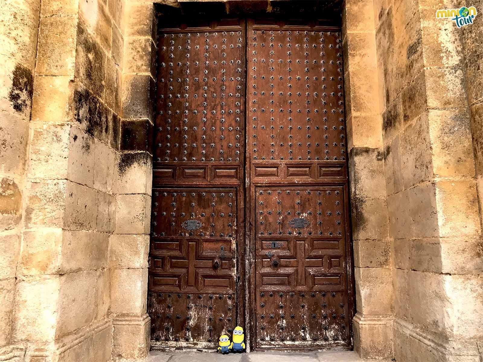 La puerta de la iglesia