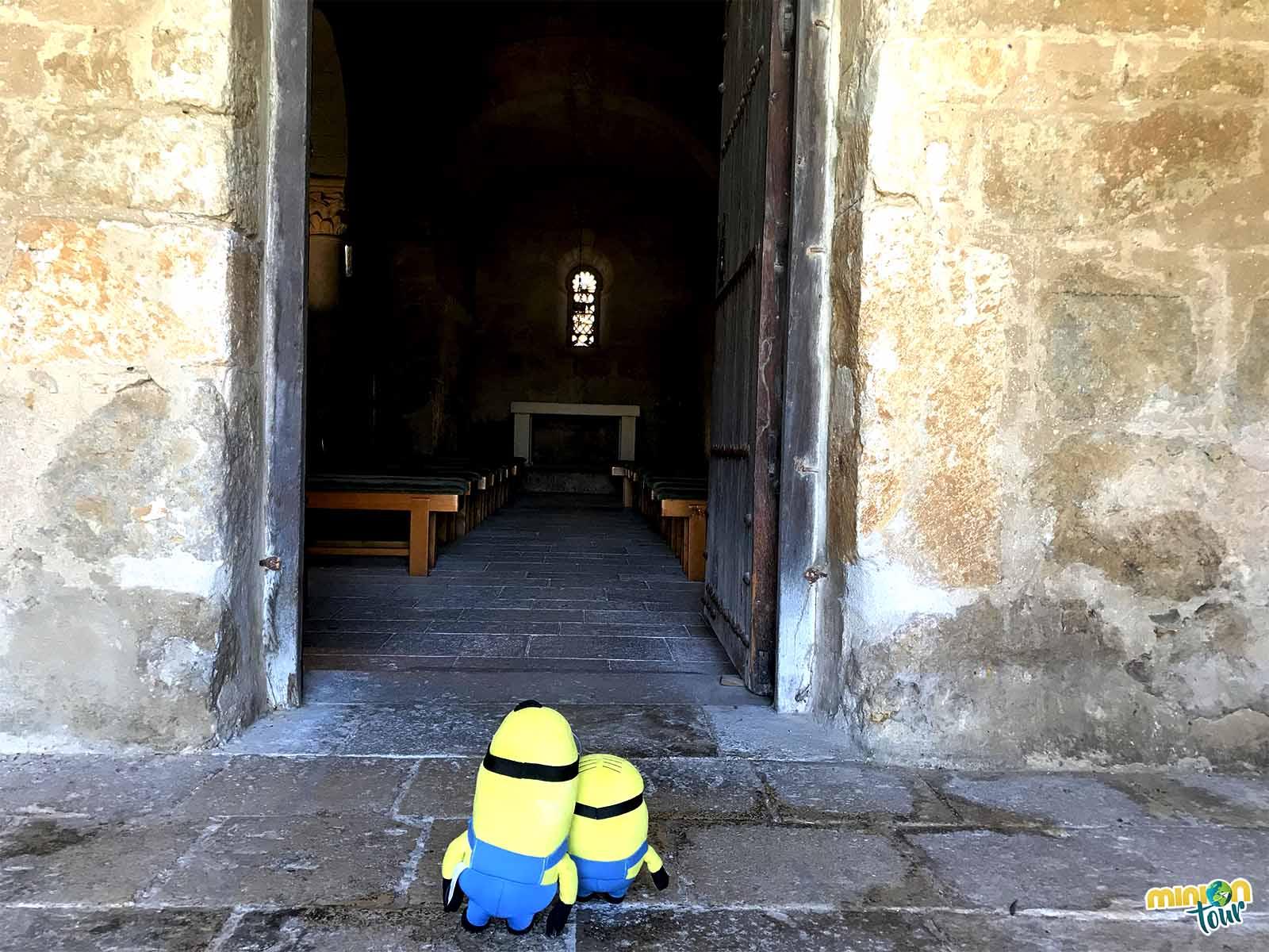 Entrada de la iglesia visigoda
