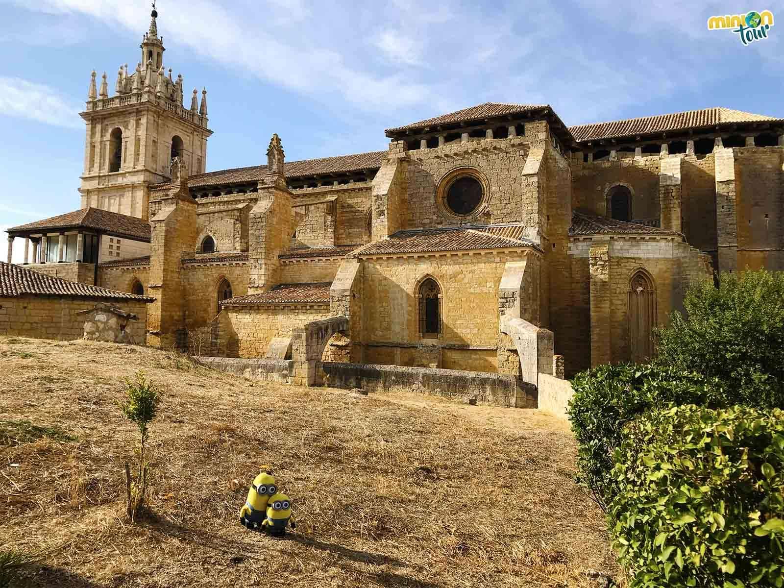 La Iglesia de San Hipólito el Real podría ser perfectamente una catedral