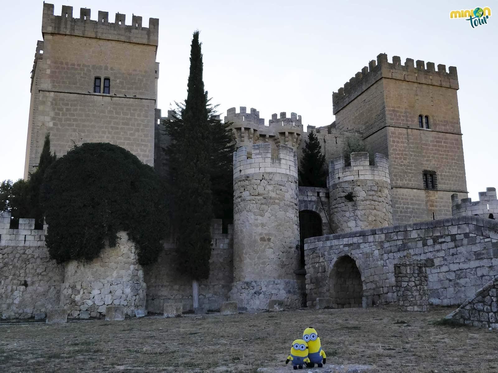A punto de entrar en el Castillo de Ampudia