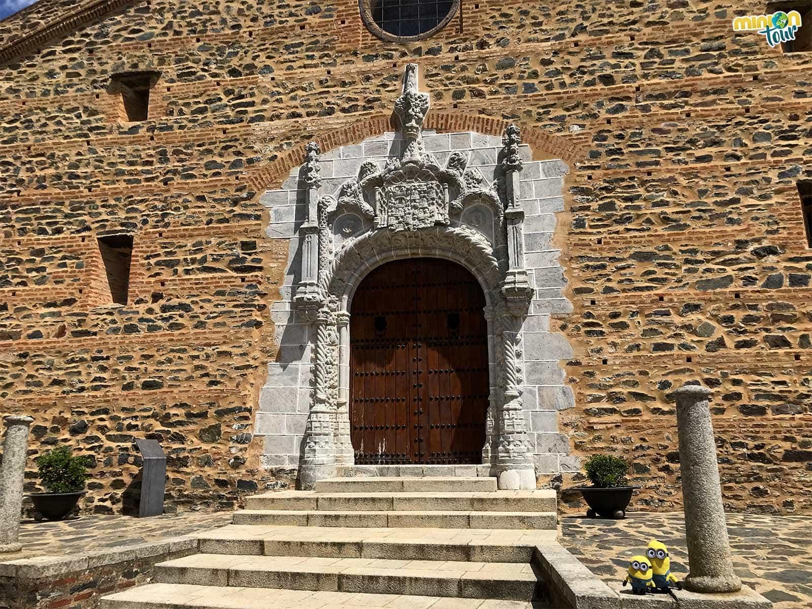 Puerta de entrada a la Iglesia gótico mudéjar de San Martín
