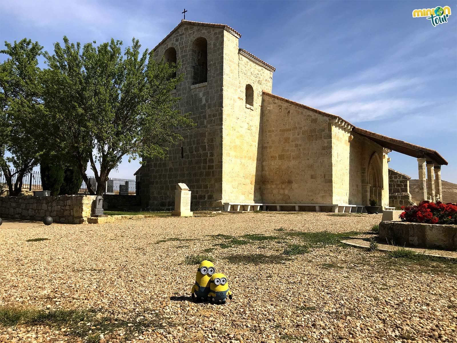 2 Minions en la Ermita de San Pedro de Fuentes de Valdepero