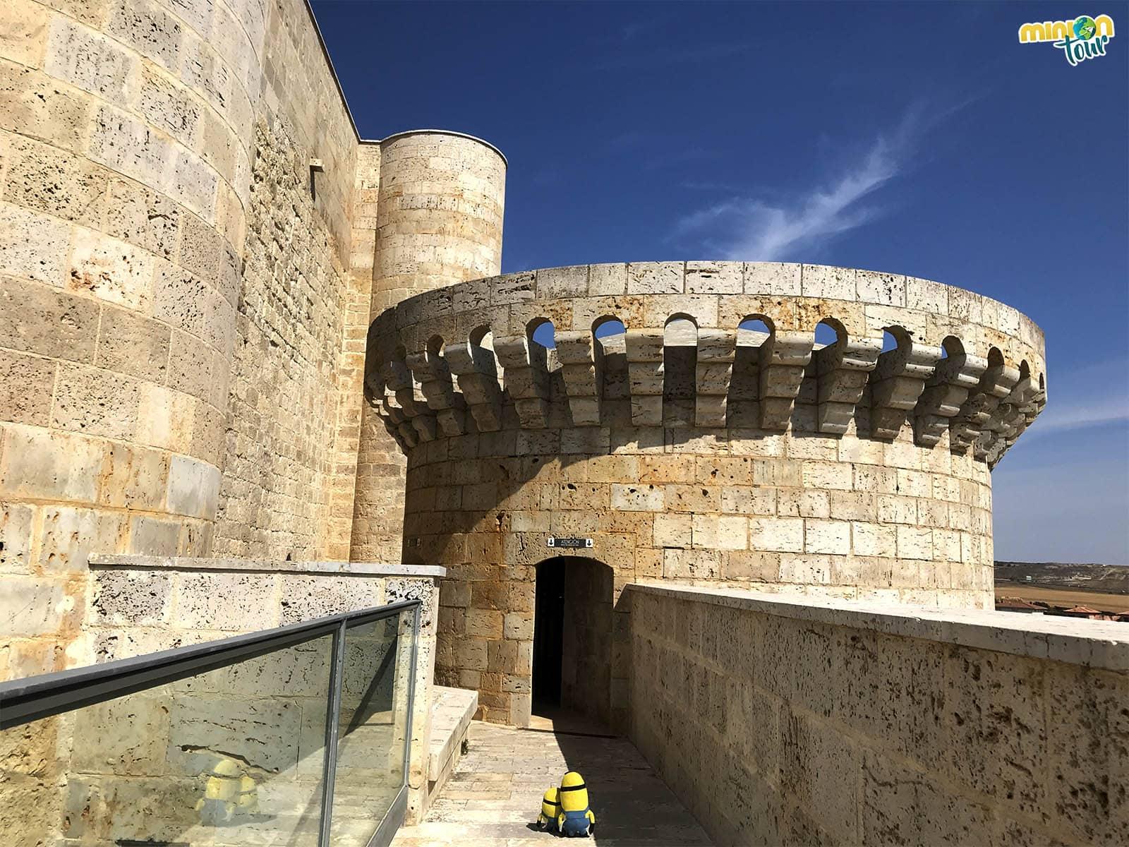 Caminando por las murallas del Castillo de los Sarmiento