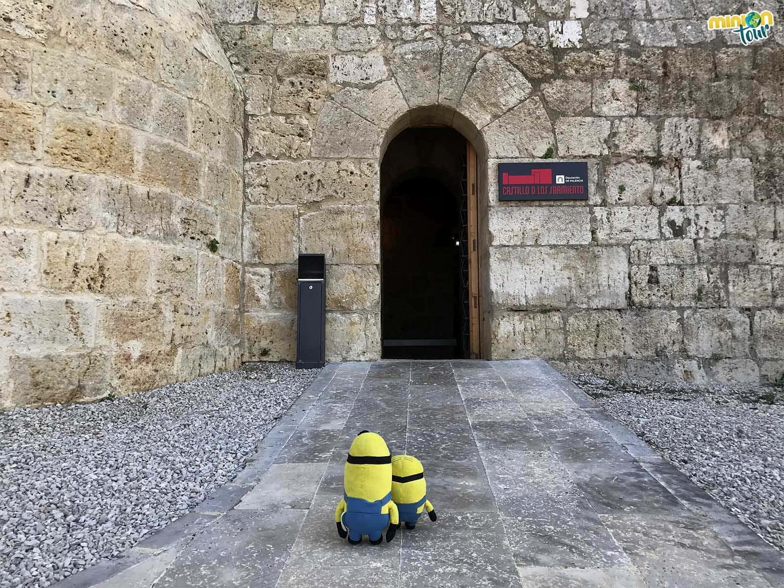 Entrada al Castillo de los Sarmiento en Fuentes de Valdepero