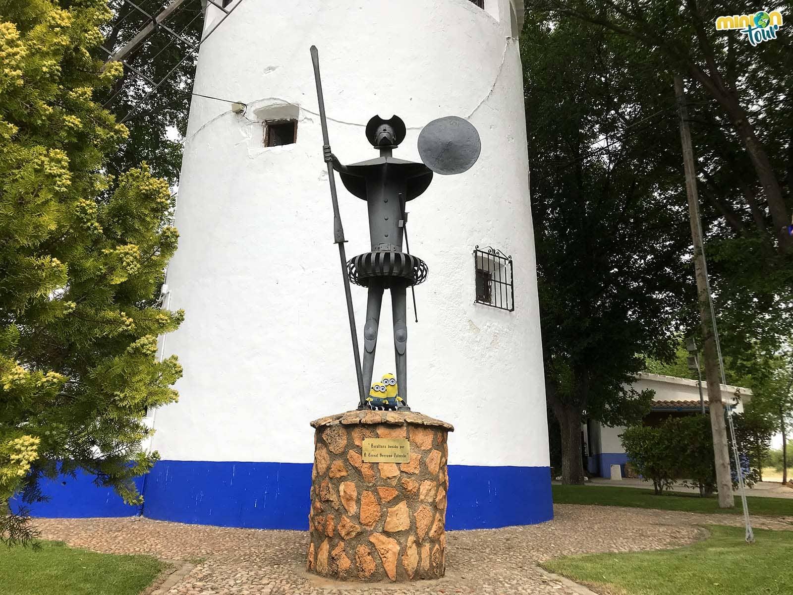 Don Quijote de la Mancha y 2 Minions