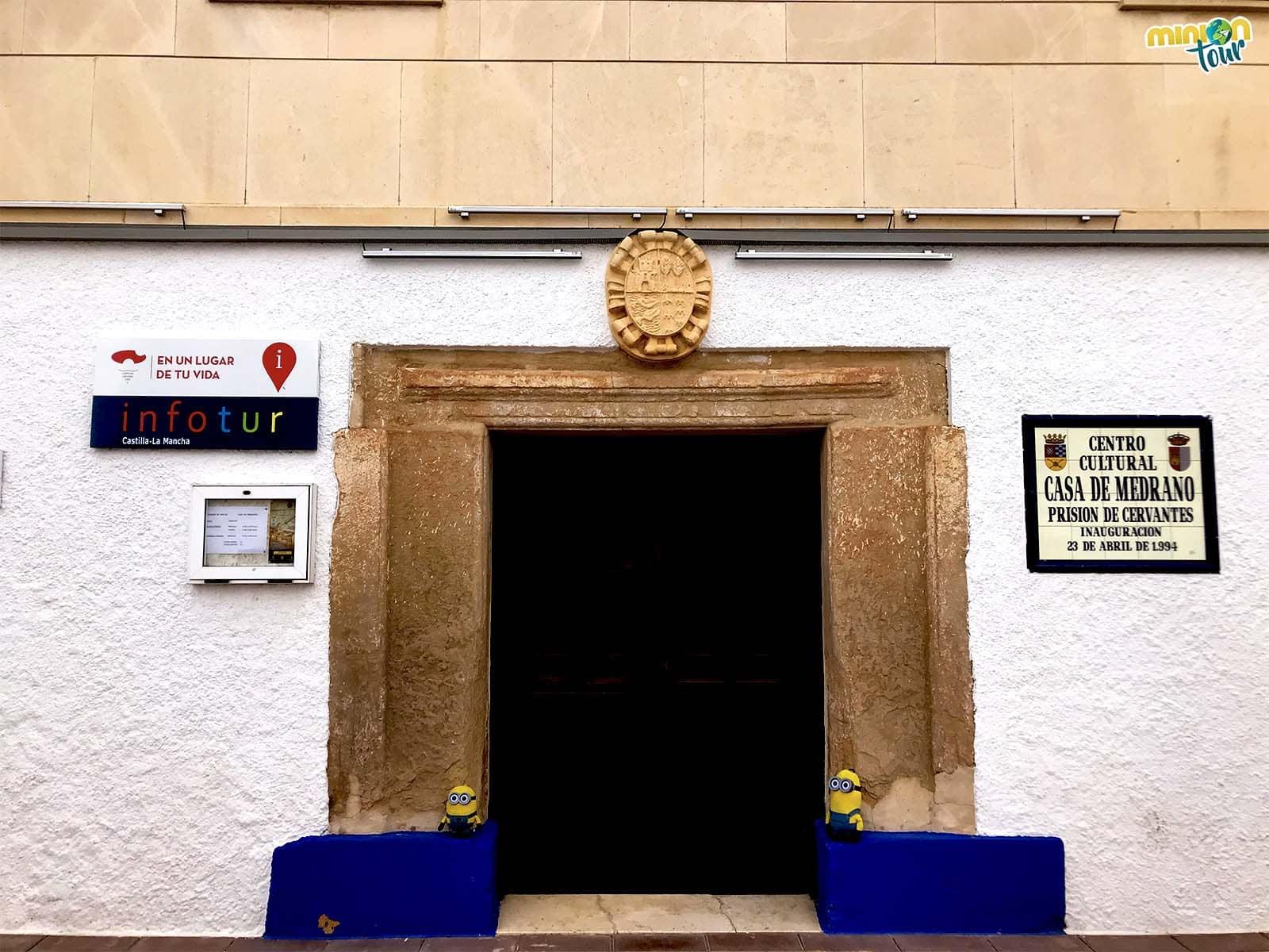 Entrada de la Casa de Medrano en Argamasilla de Alba