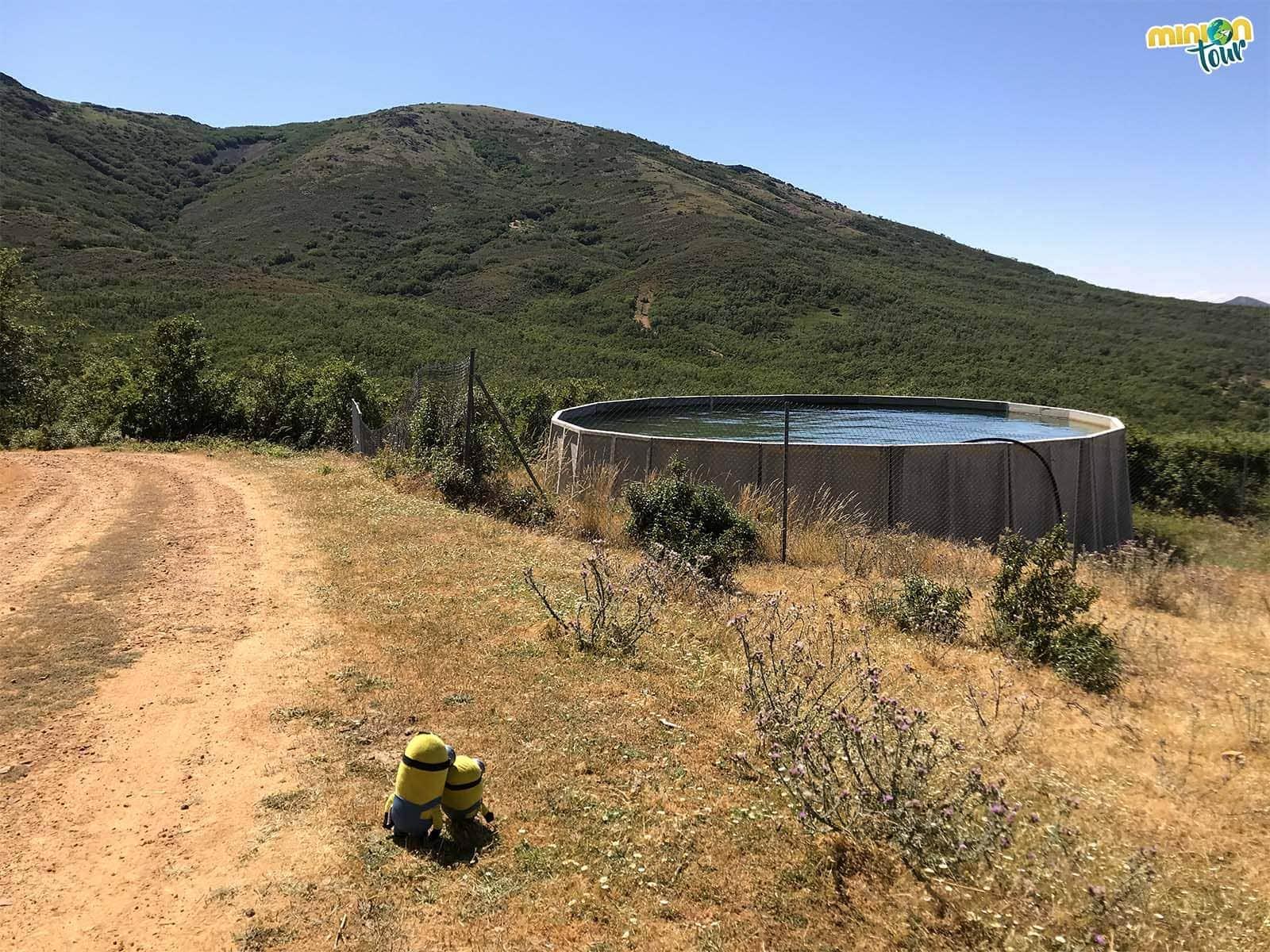 Depósito de agua en la ruta