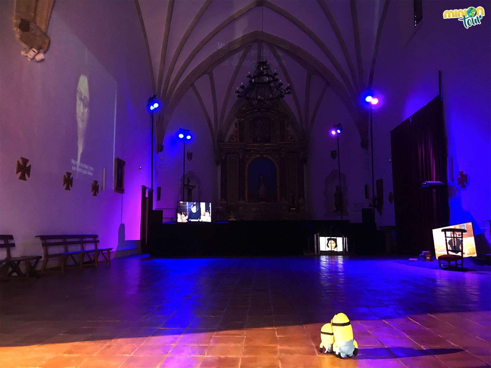 Interior de la Iglesia de San Blas y su exposición