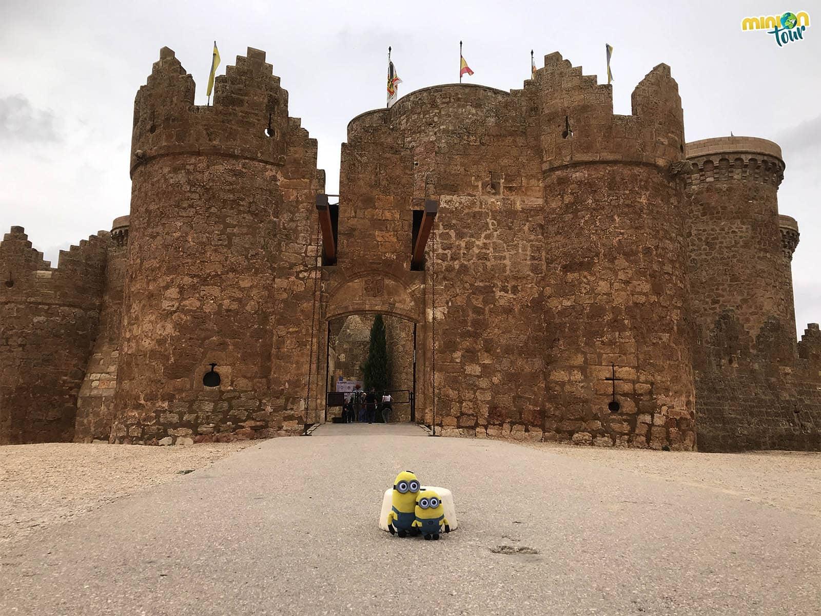2 Minions recién llegados al Castillo de Belmonte