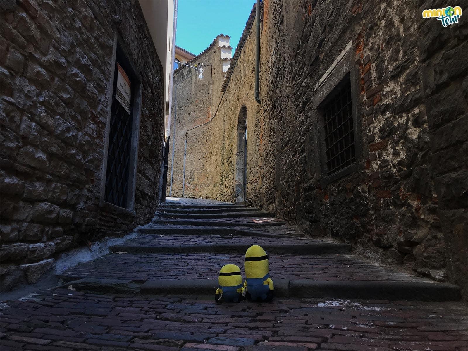 2 Minions preparados para descubrir Bérgamo