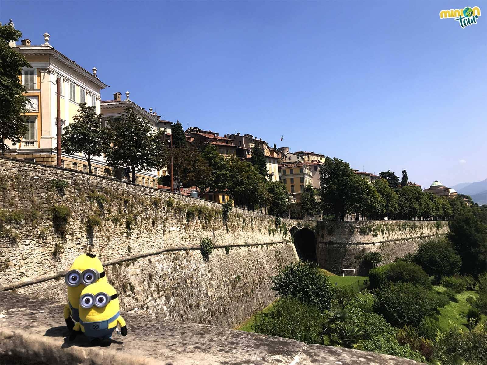 Vista de Bérgamo desde fuera de las murallas