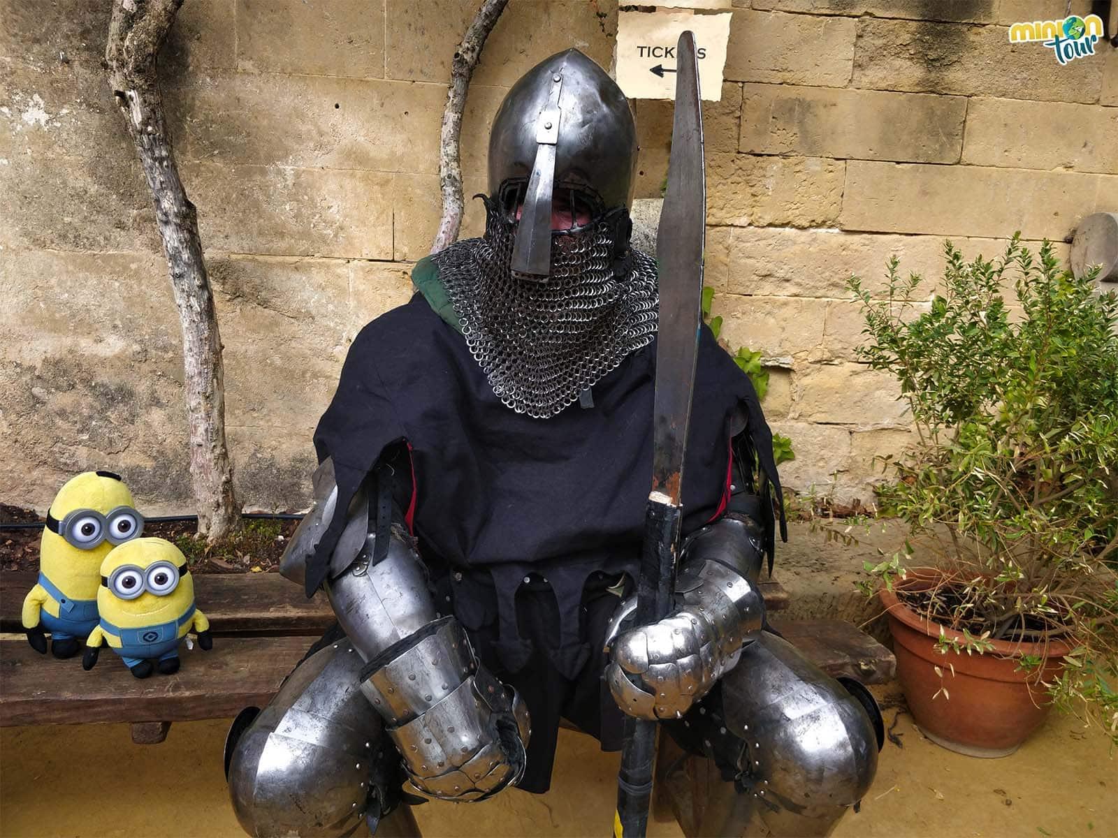 Con uno de los luchadores de Combate Medieval