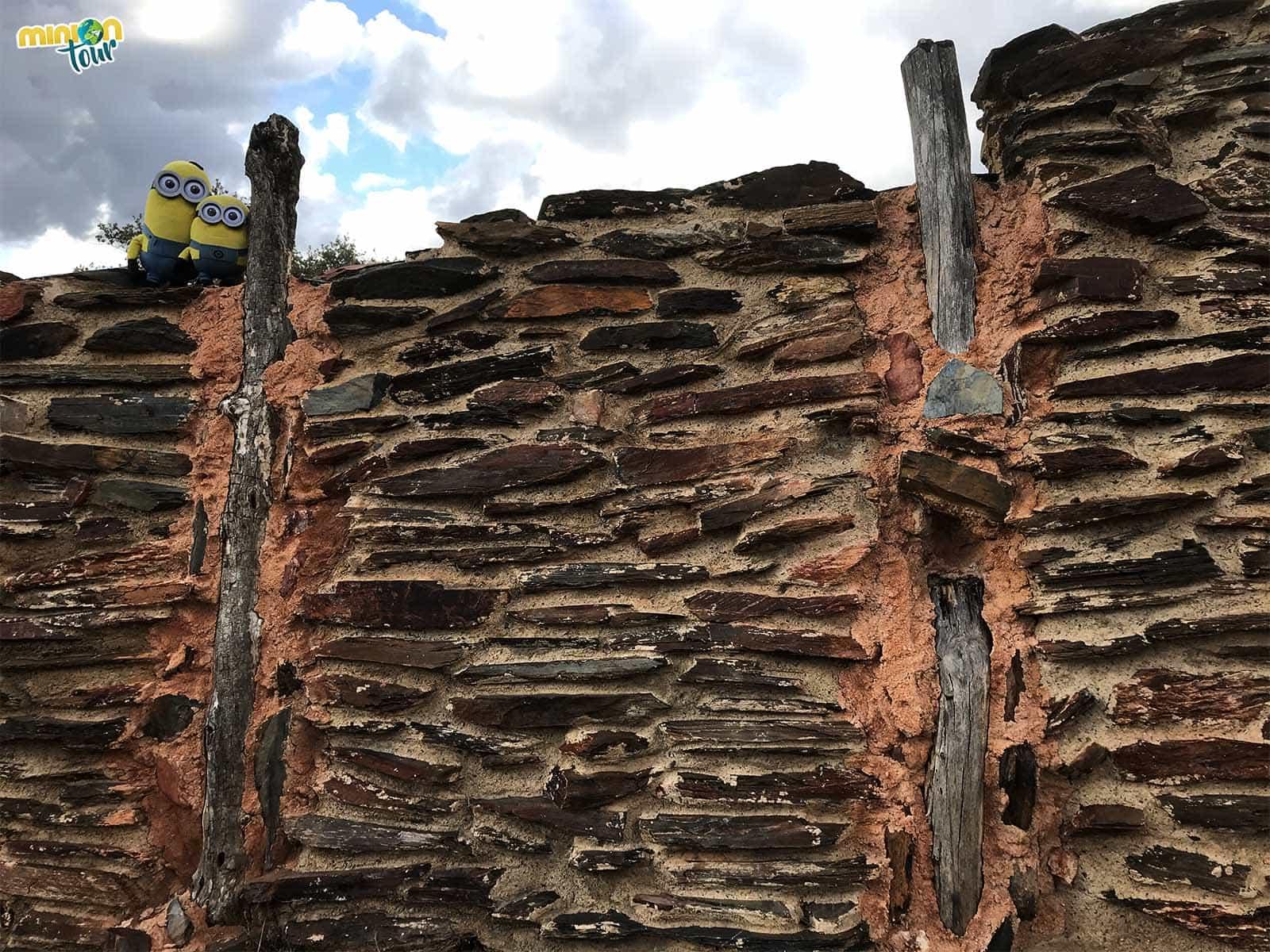 Paredes del Yacimiento Arqueológico de Peñalosa