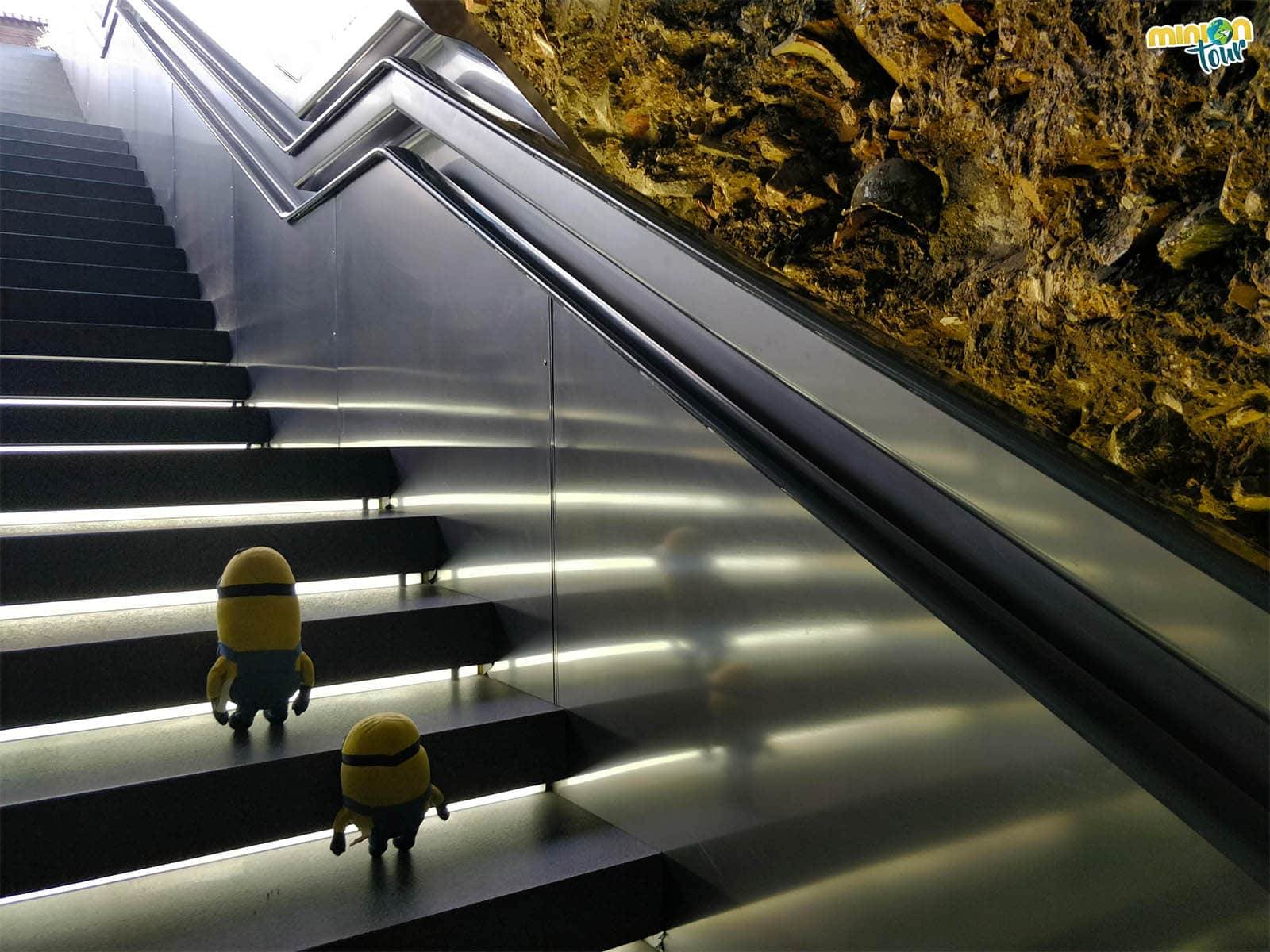 Escaleras del Metro de Granada
