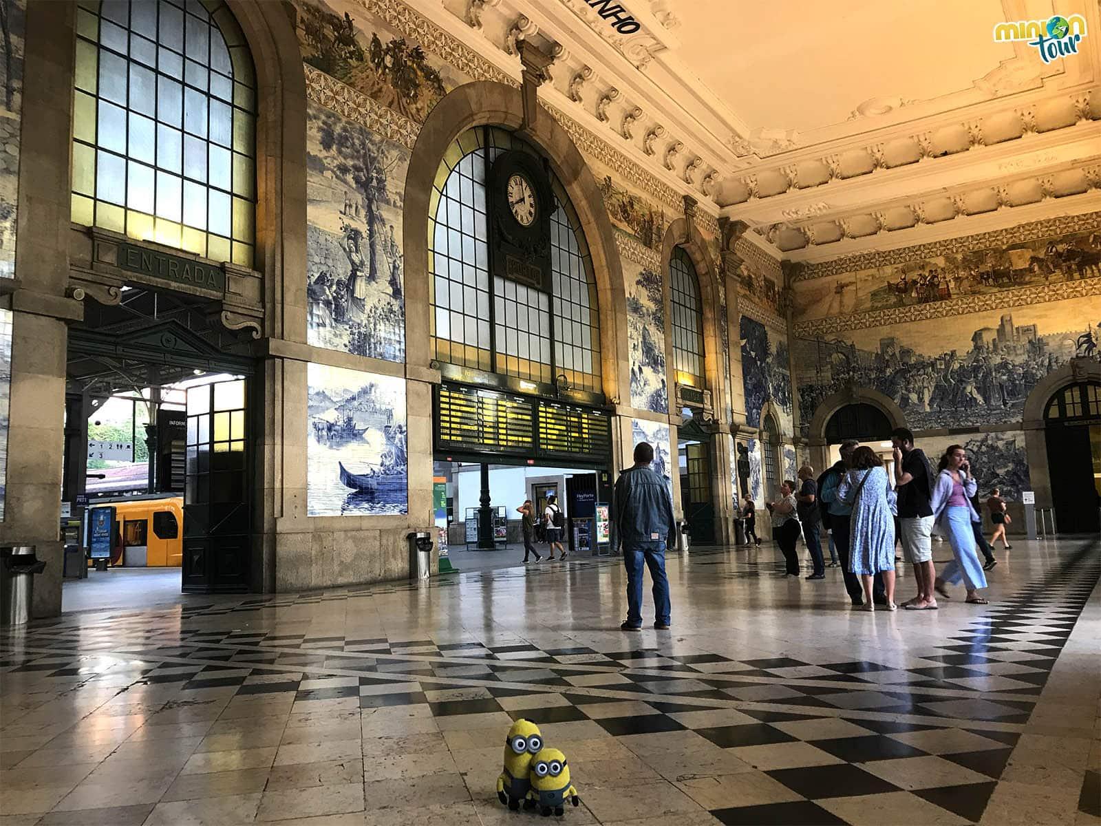 Interior de la Estación de San Bento