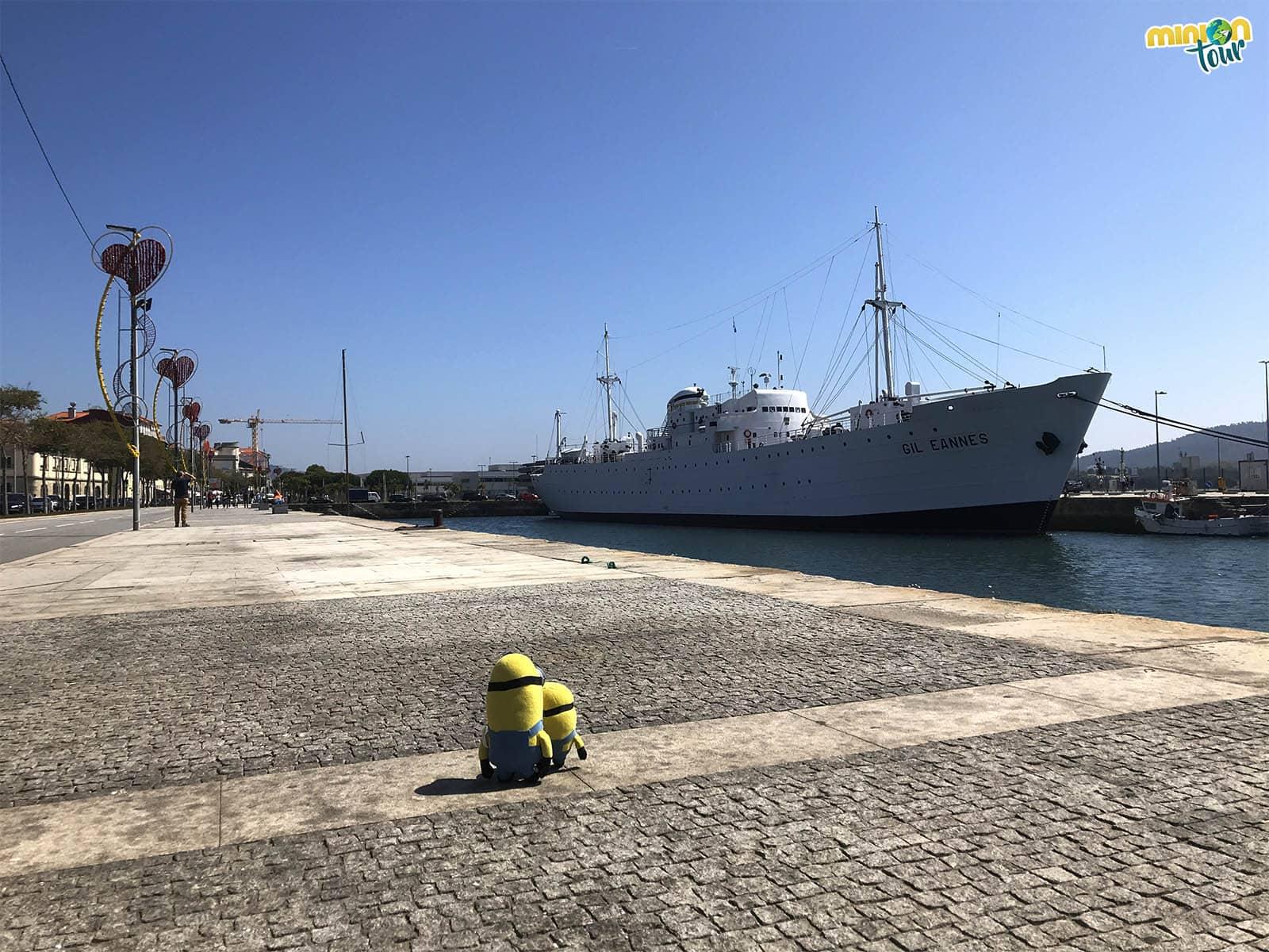 Admirando el buque Gil Eannes