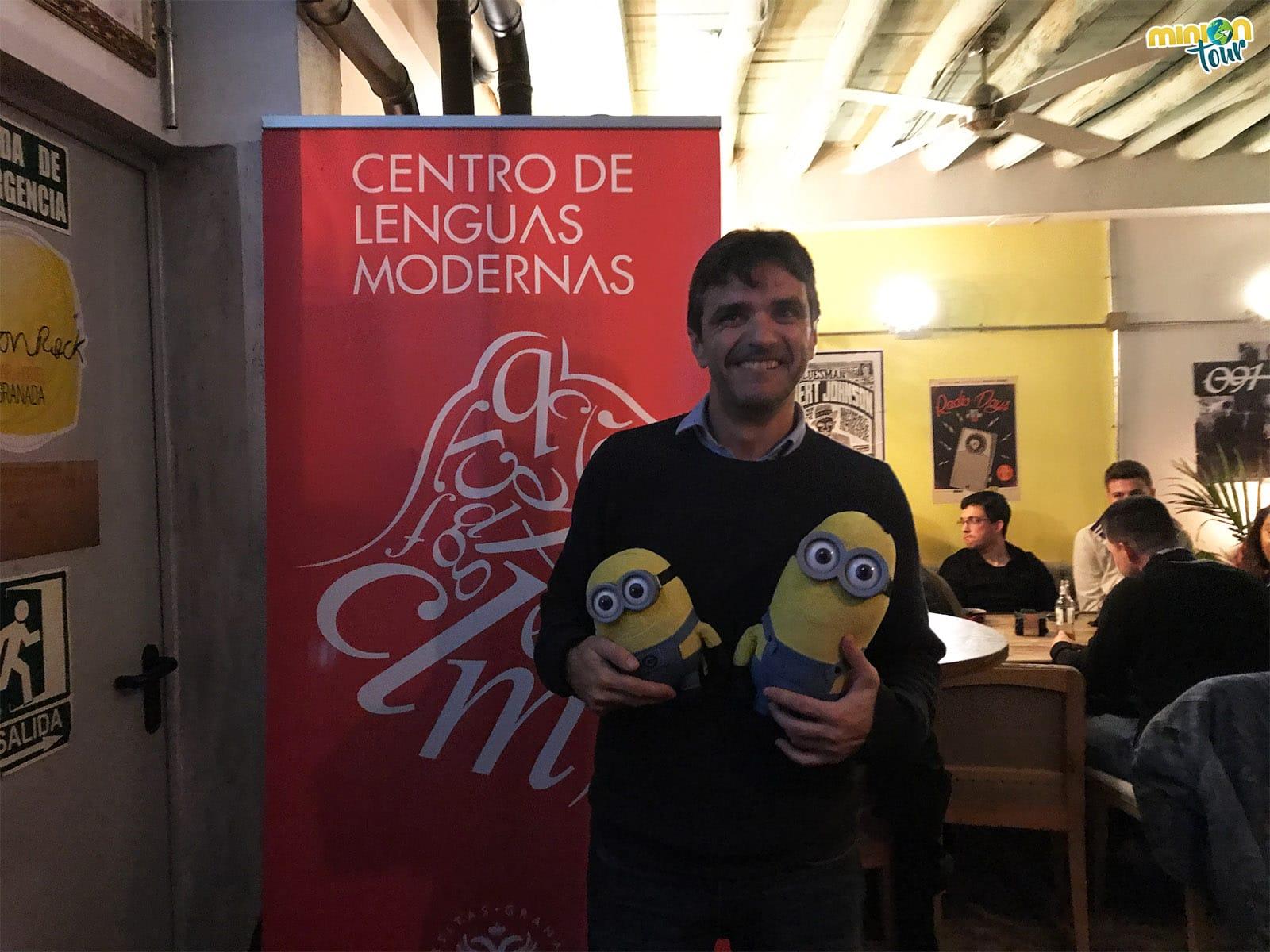 Con Juan, el director del Centro de Lenguas Modernas