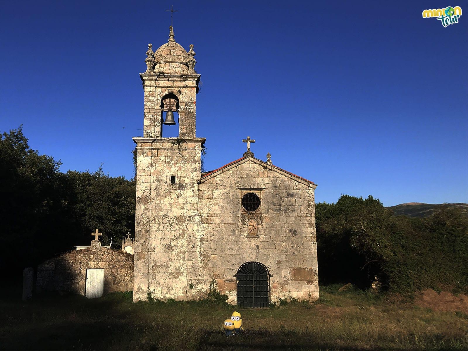 La Iglesia de San Xoan de Camba en el Sendero de los Bosques Mágicos de Castro Caldelas