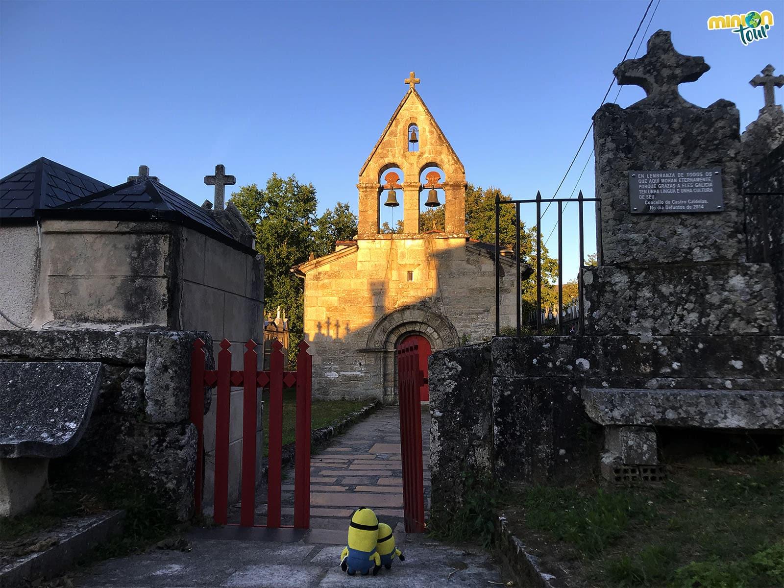 La Iglesia de Santa Tegra de Abeleda en el Sendero de los Bosques Mágicos de Castro Caldelas