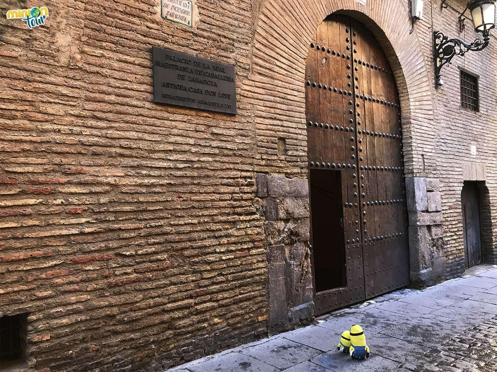 Entrada del Palacio de la Real Maestranza de Caballería