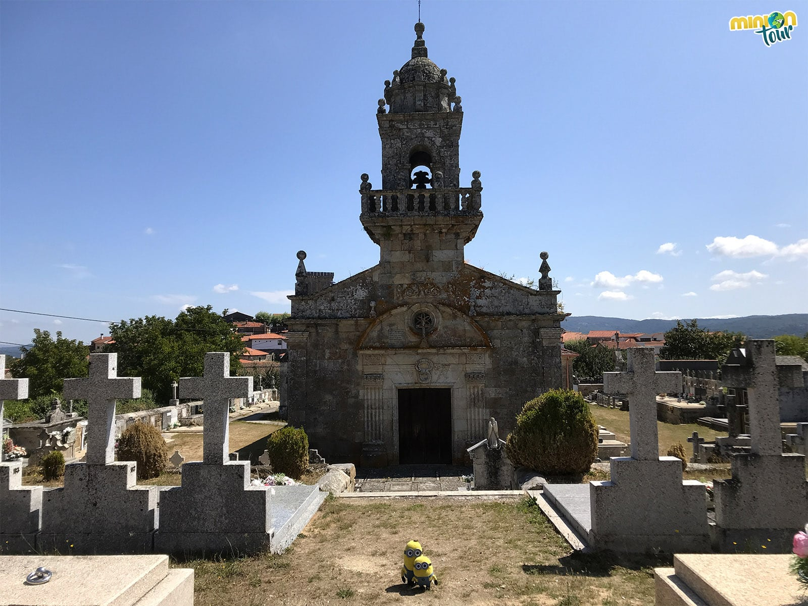 La Iglesia de San Salvador, una de las cosas que ver en Vilanova dos Infantes