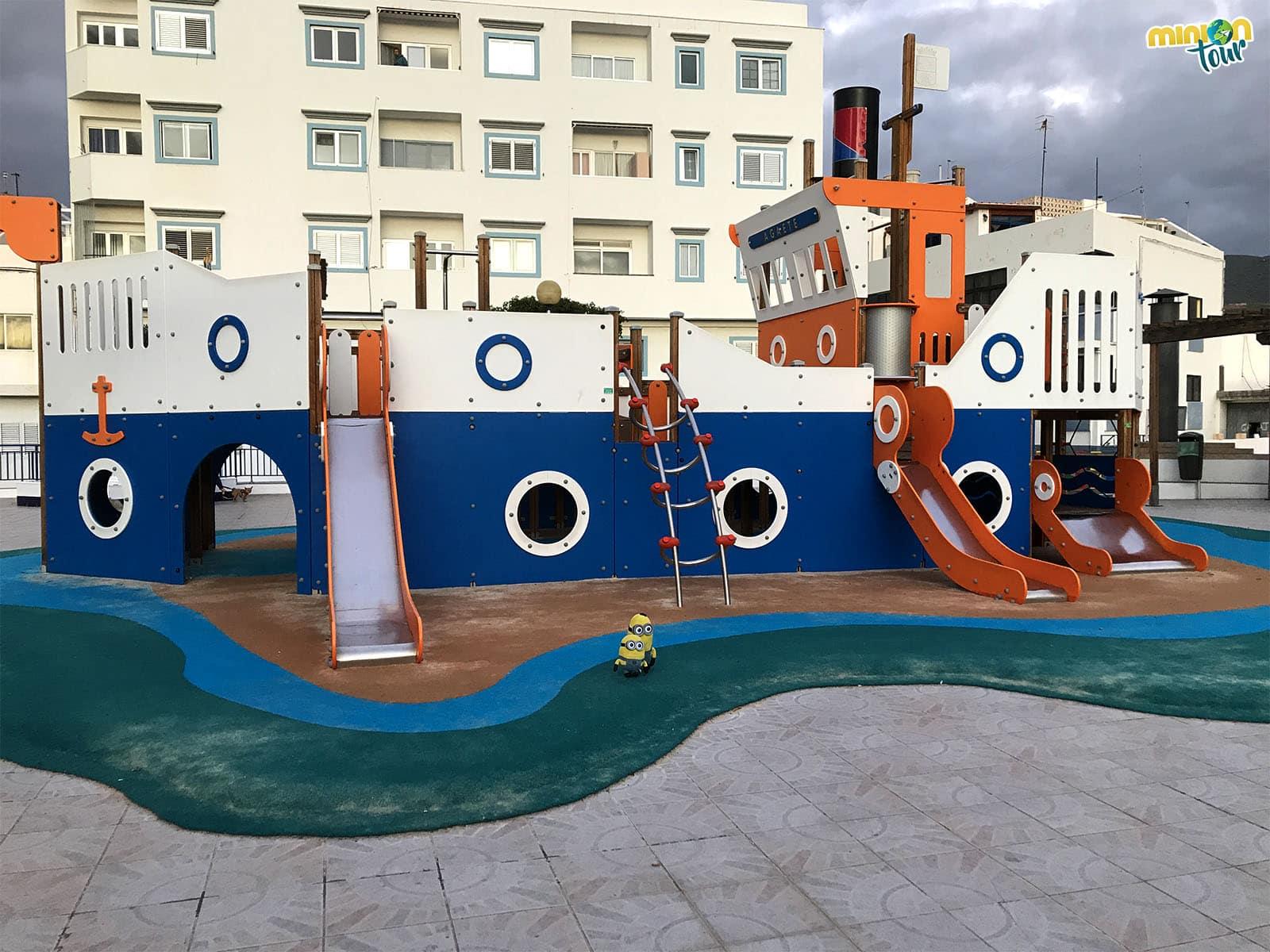 Parque infantil en Puerto de las Nieves