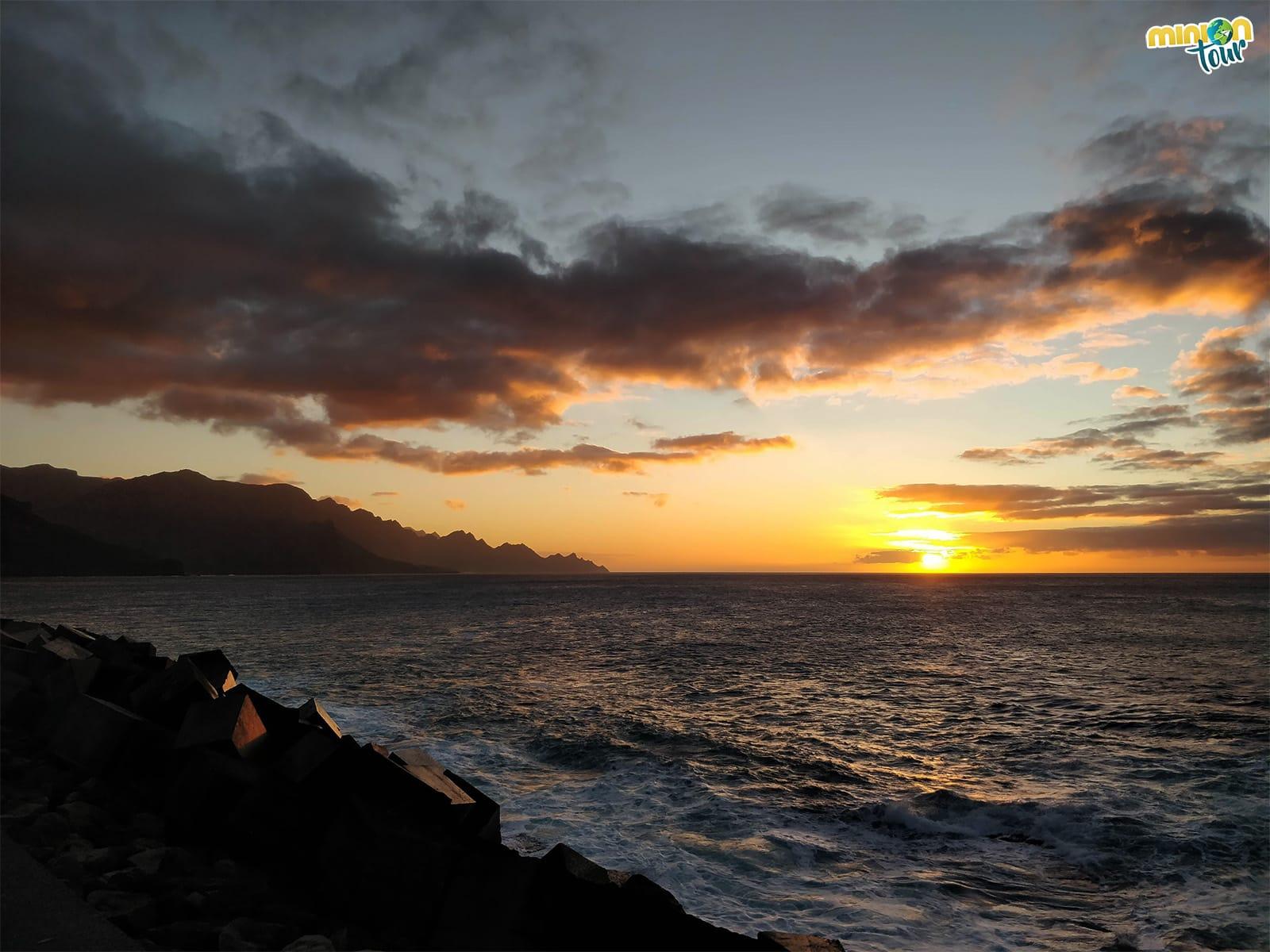 Anochecer en Puerto de las Nieves, fin de nuestra ruta por el norte de Gran Canaria