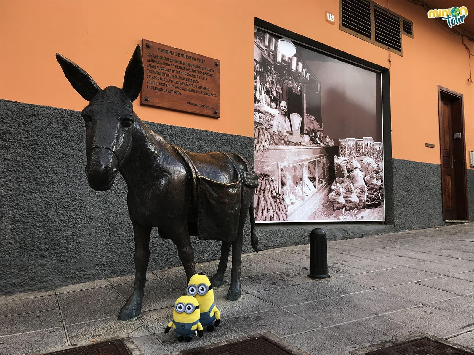 Una de las múltiples esculturas de las calles de Agüimes