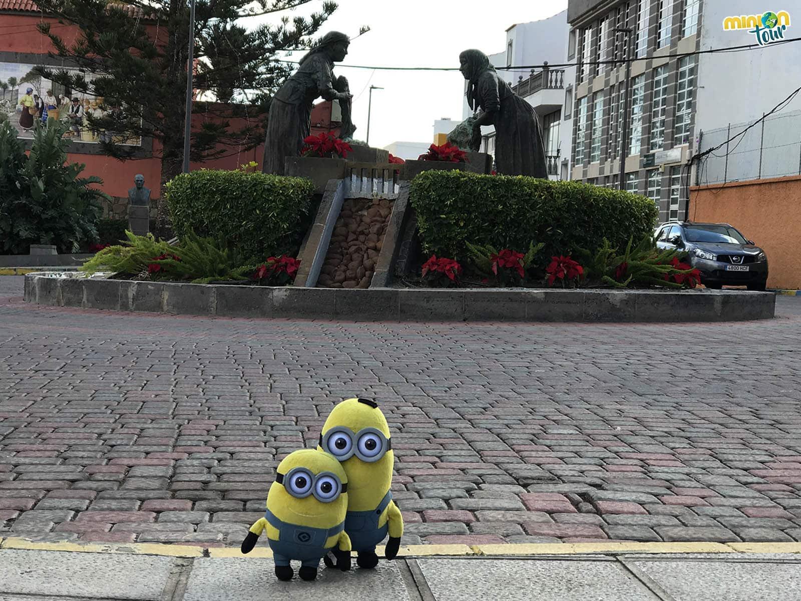Escultura en plaza de Ingenio
