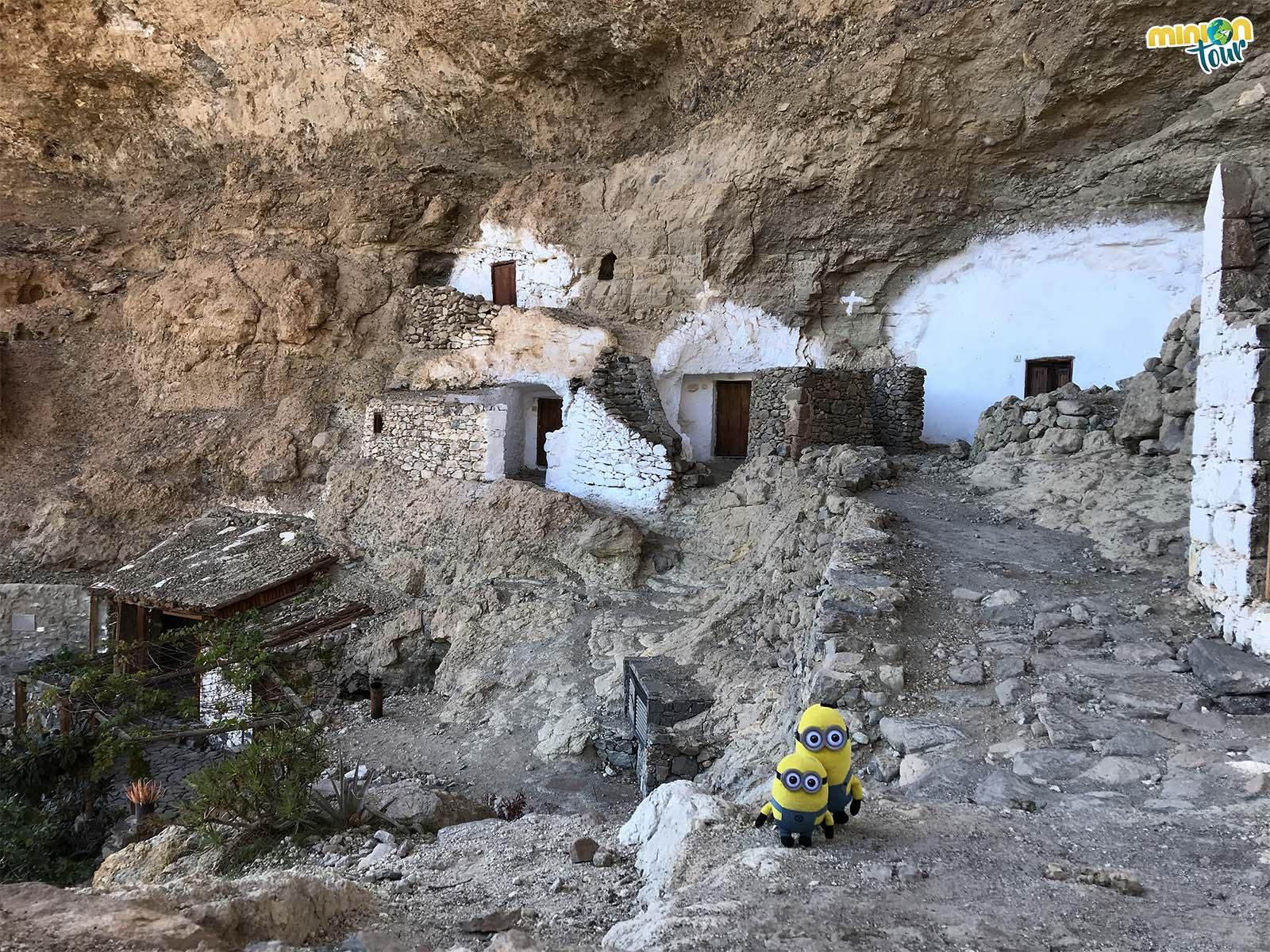 Casas cueva en Acusa Seca, parada obligatoria en una ruta por la GC-210