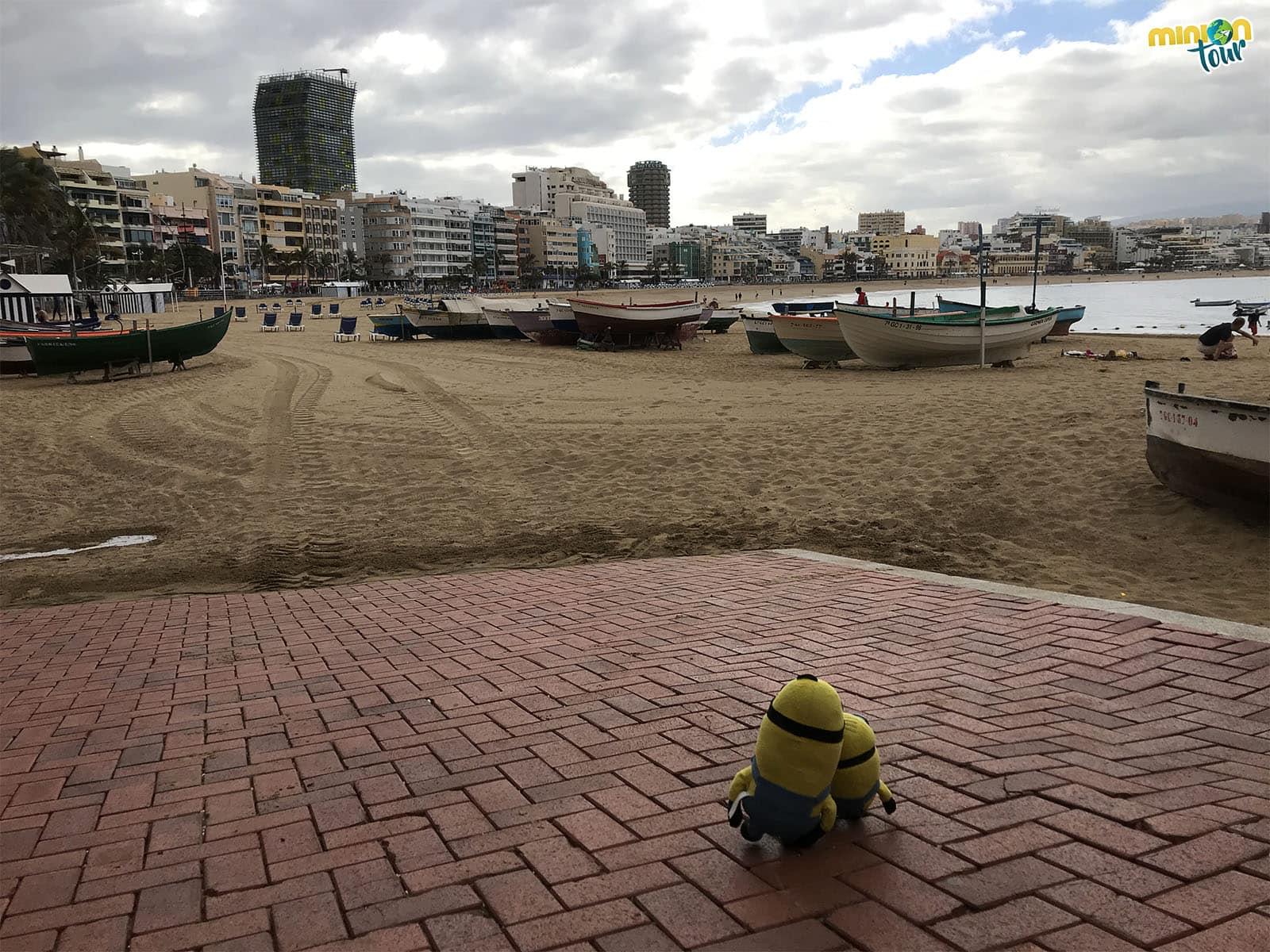 Playa de Las Canteras, una de los sitios que ver en Las Palmas de Gran Canaria