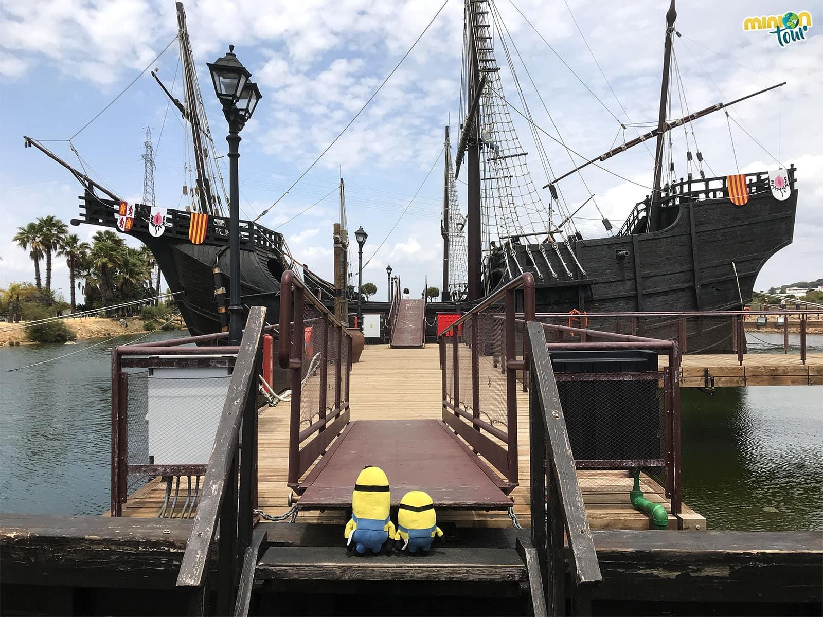 Entrando a uno de los barcos