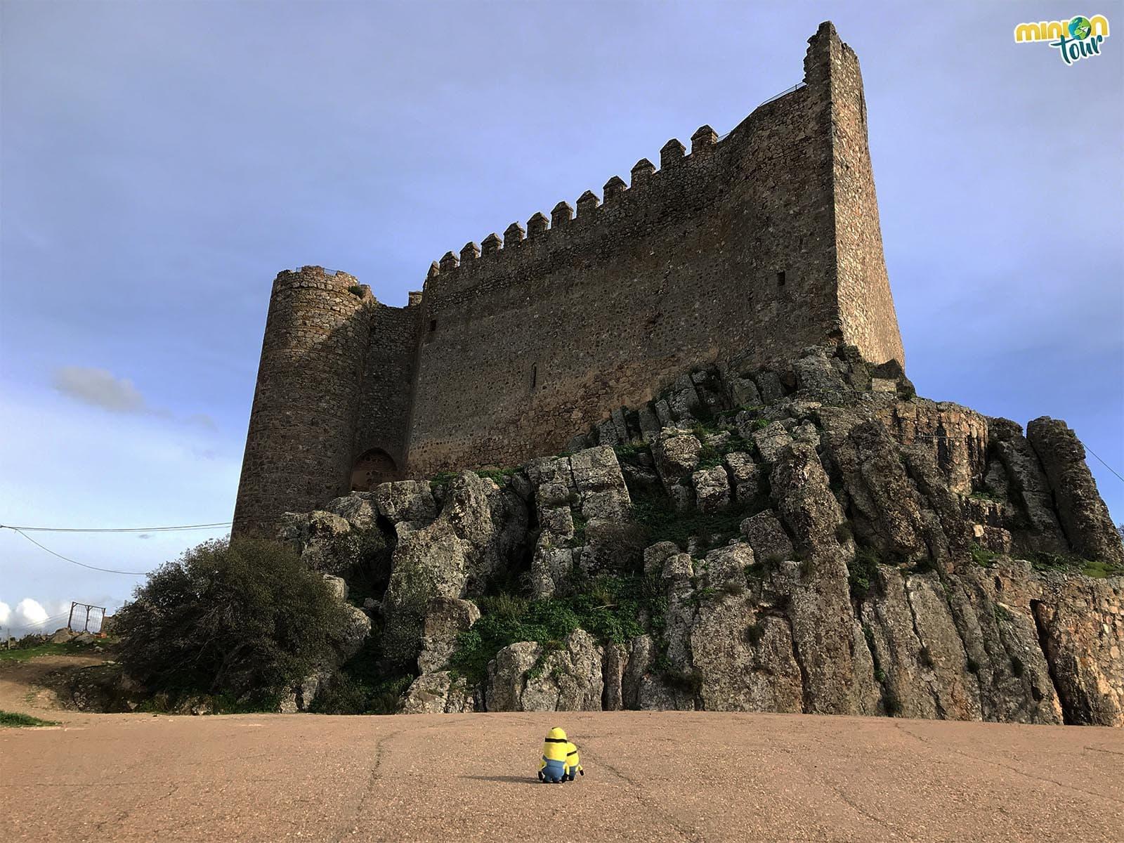 El impresionante castillo de Puebla de Alcocer