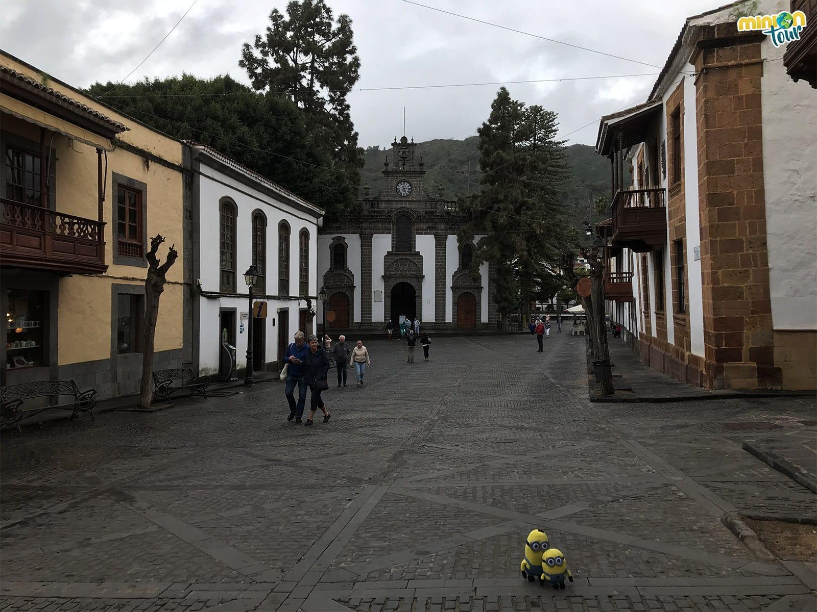 Calle principal de Teror, un pueblo chulo en nuestra ruta por el norte de Gran Canaria