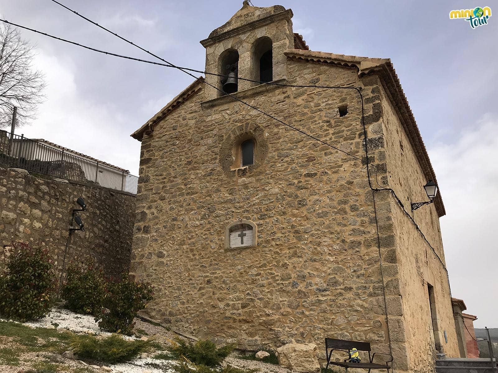 Contemplando la Iglesia de la Santísima Trinidad en El Vallecillo
