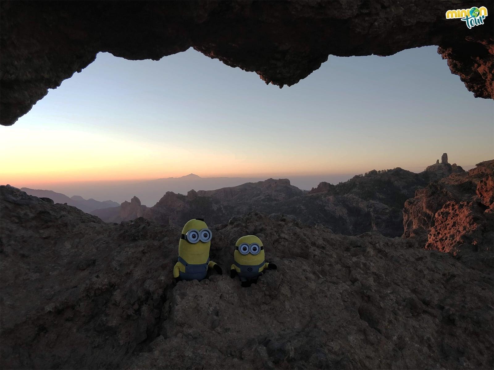 Atardecer en la Ventana del Roque Nublo, una puesta de sol preciosa en Gran Canaria