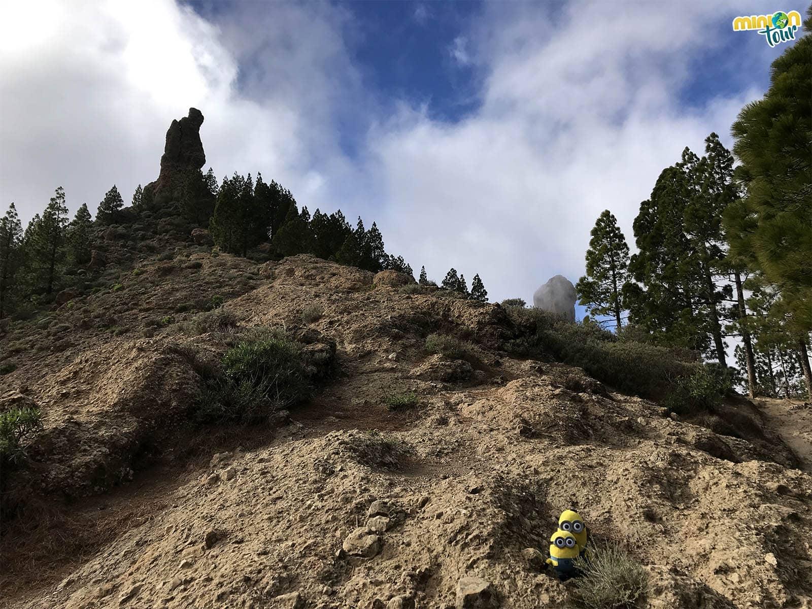 Despidiéndonos del Roque Fraile en el camino de vuelta