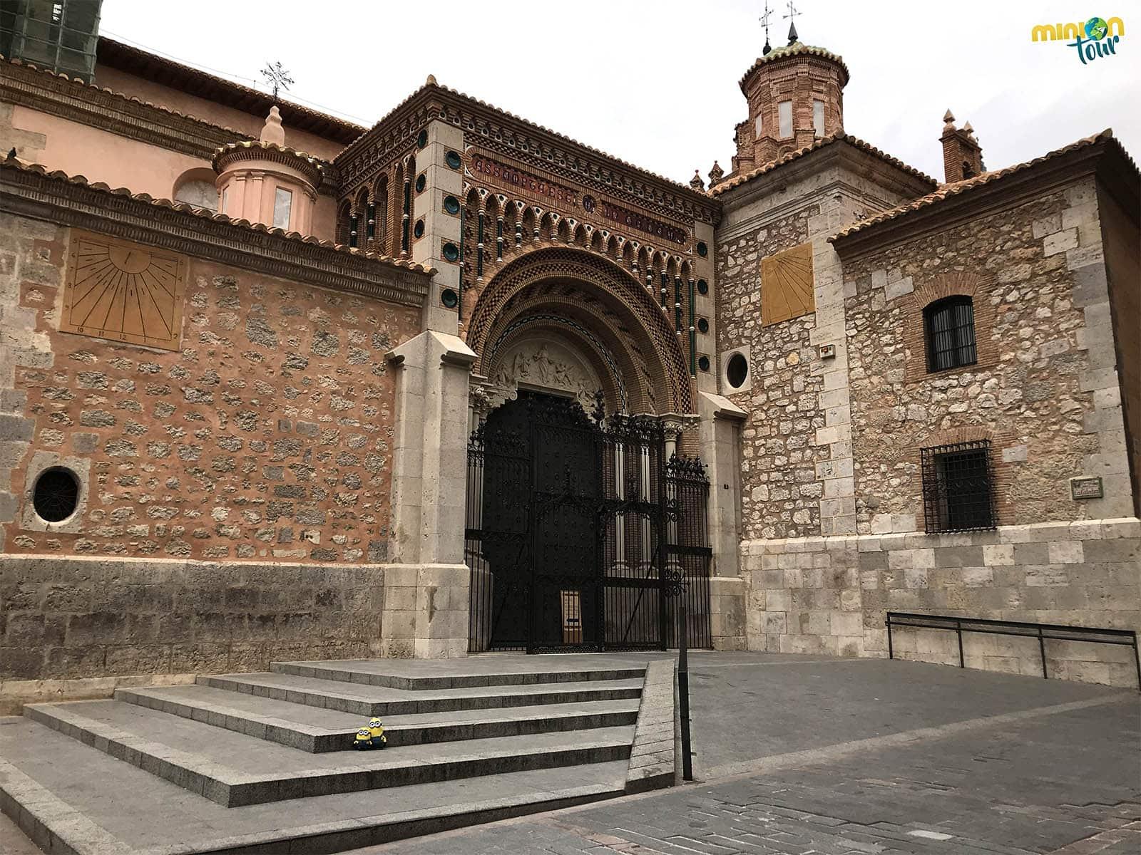 Una de las entradas de la catedral