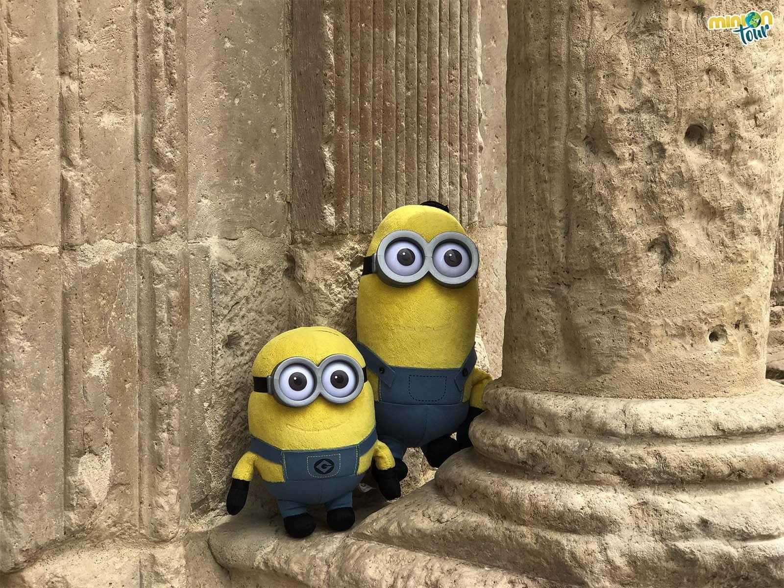 En las columnas del museo