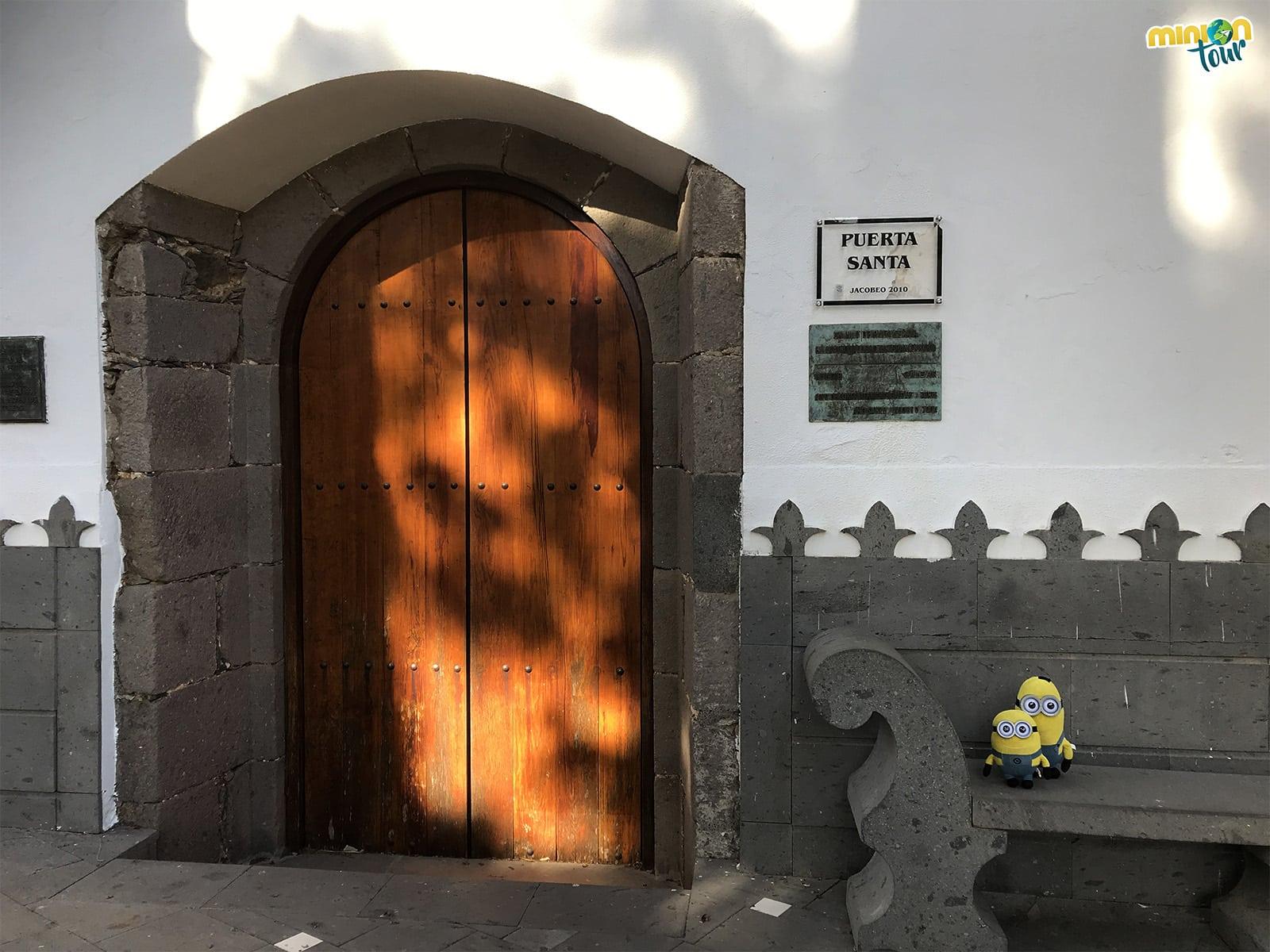Puerta Santa de la iglesia de Tunte