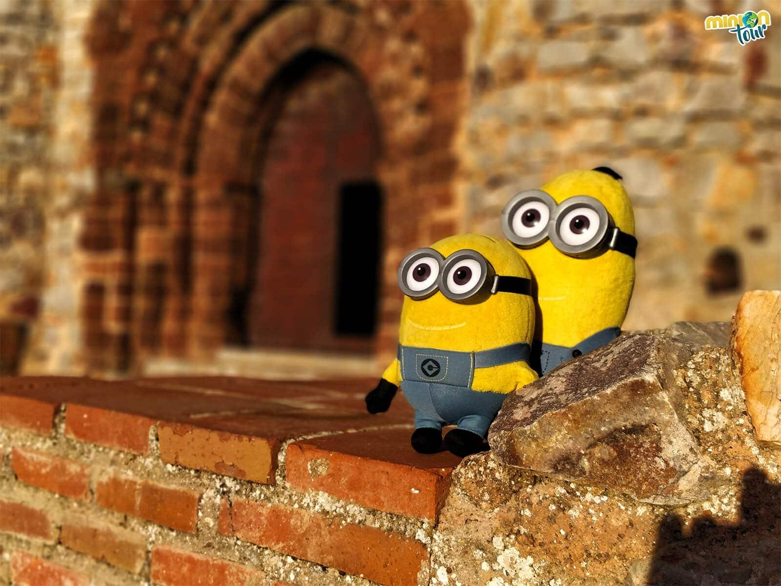 2 Minions alucinando con Calatrava la Nueva